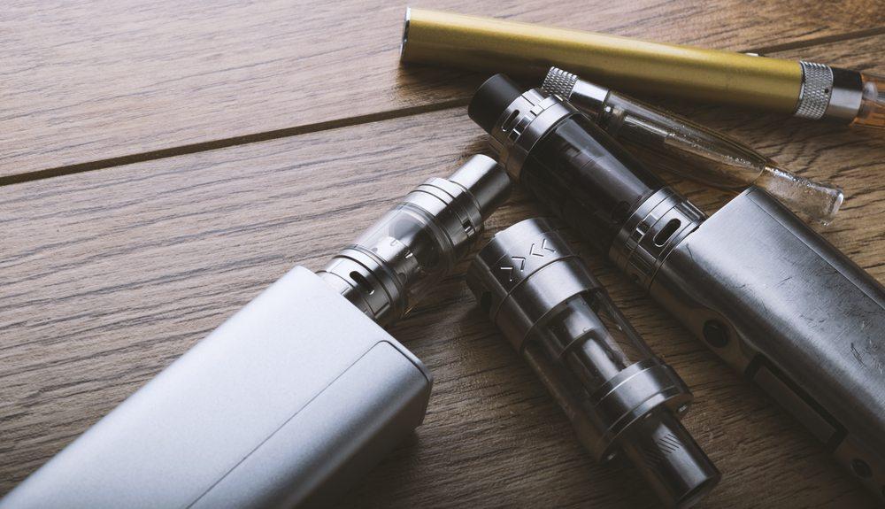 Cigarette électronique contre le tabac